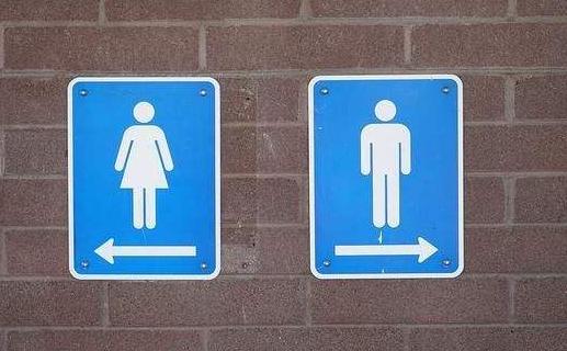 女子被擅闯厕所6岁男孩母亲辱骂,如何反击